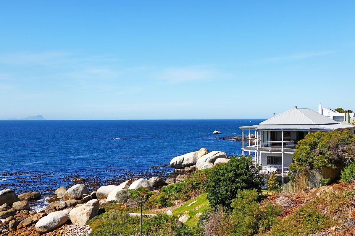 Self Catering Accommodation In Simonstown on beach ideal for things to do